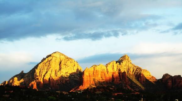 Sedonas Red Rocks in the Morning